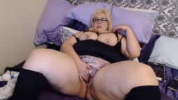Pale BBW queen Leah gets cum h shows her fat pulsing cunt