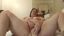 Happy MILF with huge ass and great body willing for fun