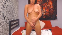 Sexy MILF slut Veronica is looking forward to seducing you
