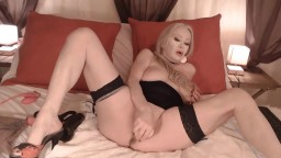 Sinful French whore Issahne loves squirt all over the floor
