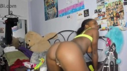 Sensual black chocolate Britney with sexiest bubble butt