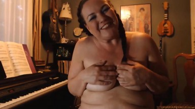 BBW GILF plumper who loves music, themes, toys and games