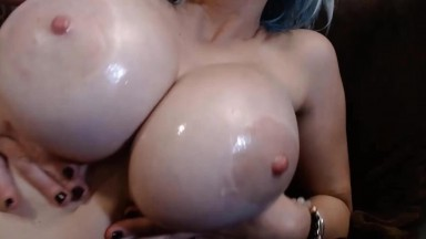 Big tit MILF Dahlia Darkoh will drag you to the dark side