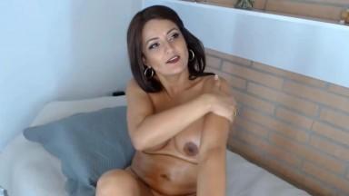 Gorgeous horny brunette mamacita Sussy Joness gets cum
