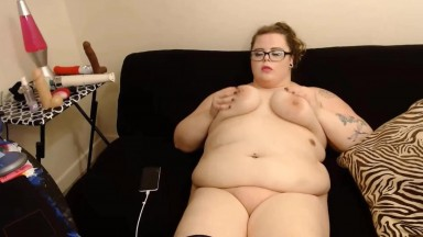 Plump Miss Lolly plays with her wet messy pussy til cum