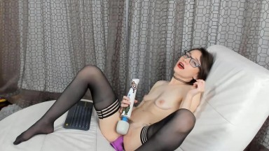 Skinny coed Jesse Spark who likes to experiment & have fun