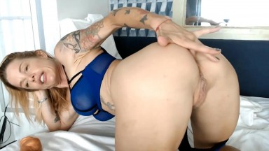 Tattooed goddess Selena very experienced in life and sex