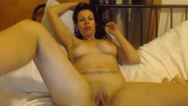 Hot Vegas brunette Cesca shows gagging n squirting skills